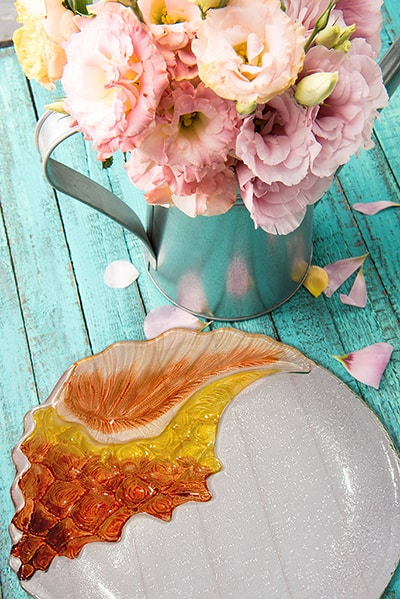 "Conch Glass Plate - 12"" 4"